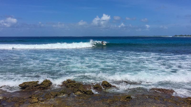 surfing things to do in the Maldives