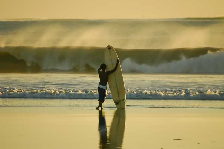 best things to do in bali surfing