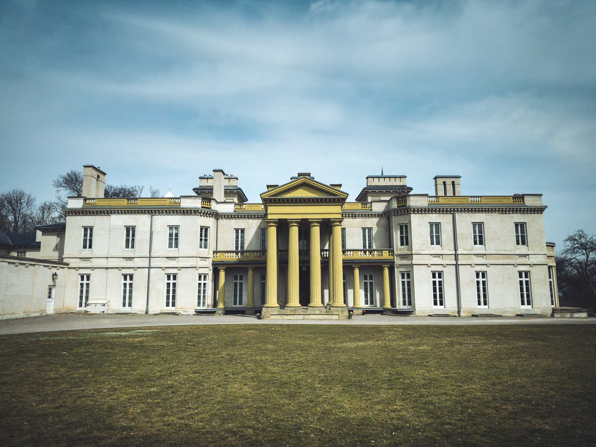 things to do in hamilton dundurn castle