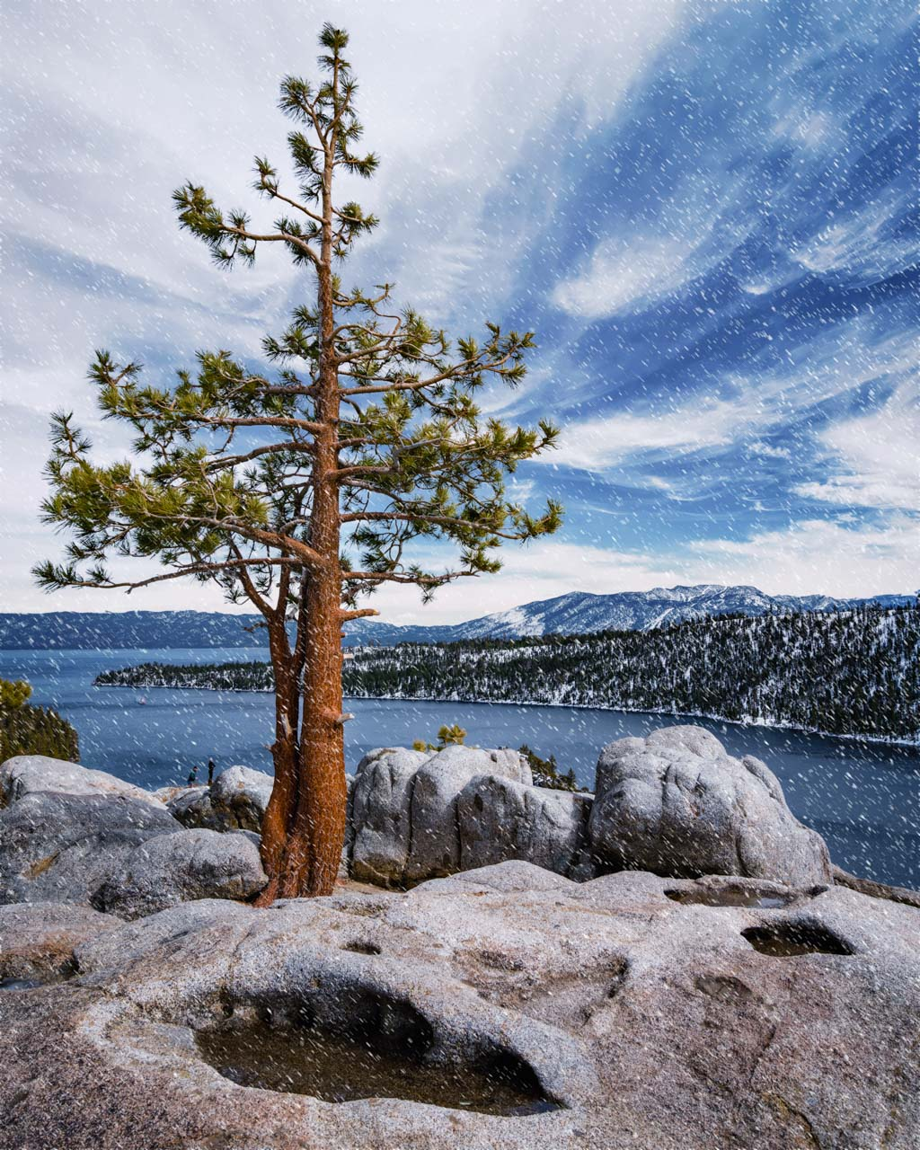 Things to do in Lake Tahoe Snowshoe Emerald Bay