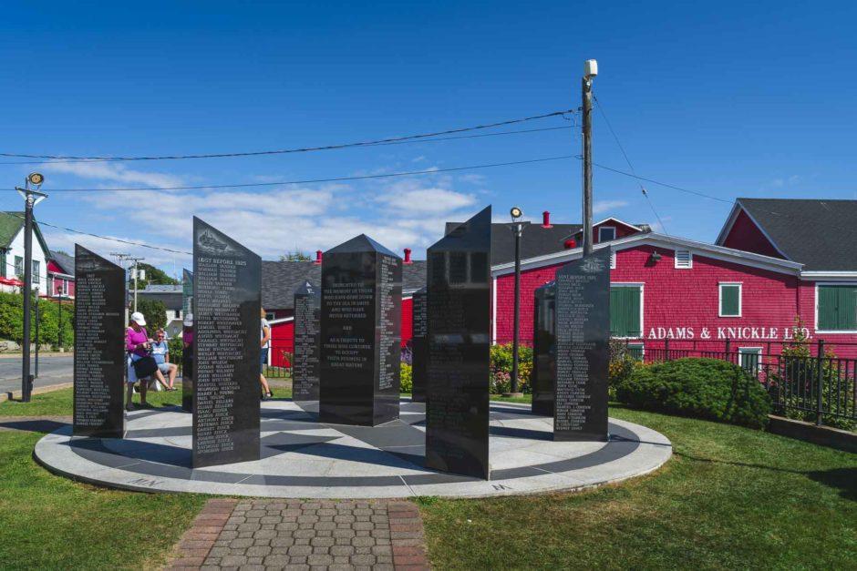 fisherman's memorial in lunenburg nova scotia