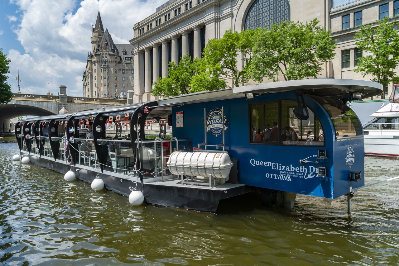things to do in Ottawa Rideau Canal Cruise