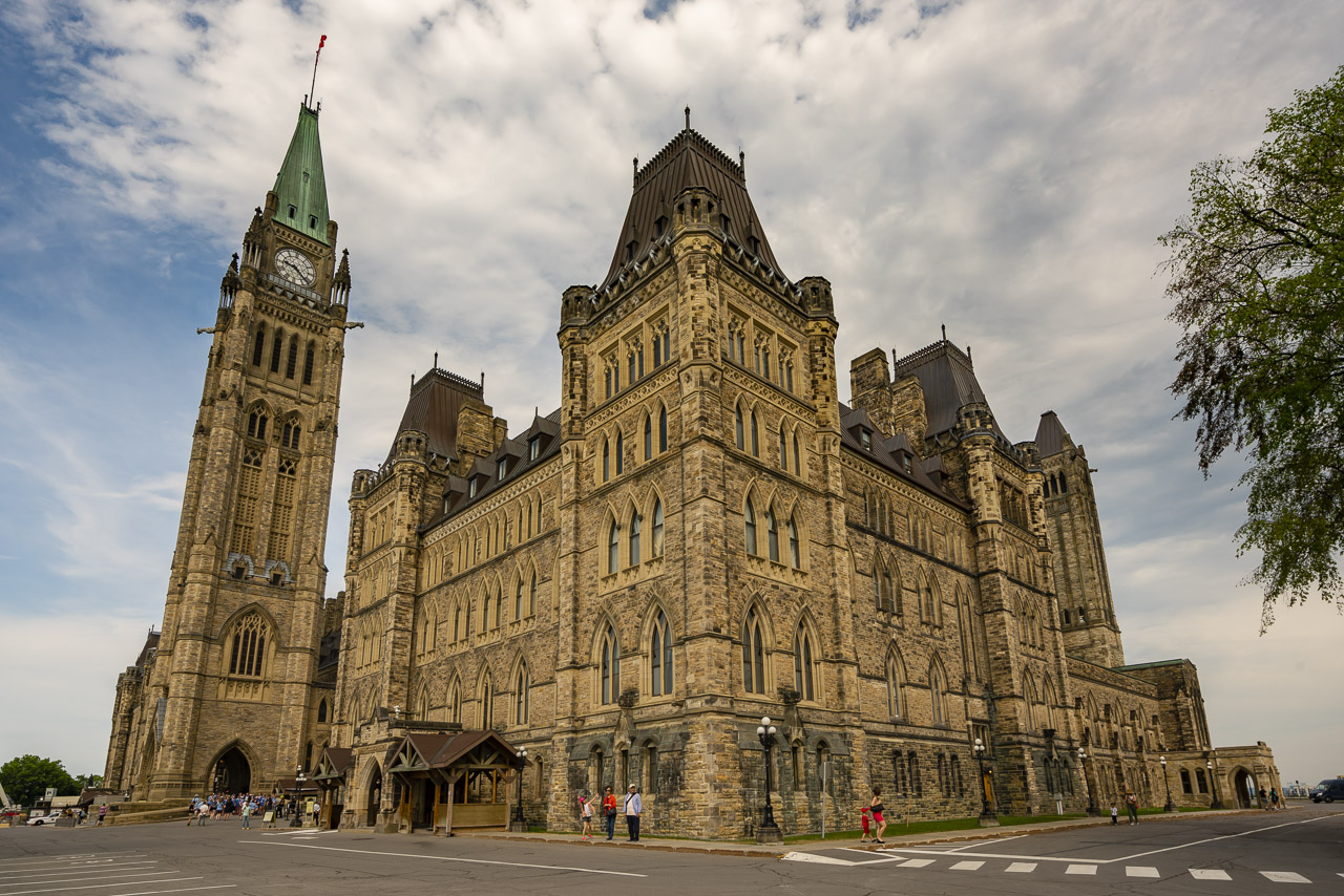 top things to do in ottawa parliment buildings