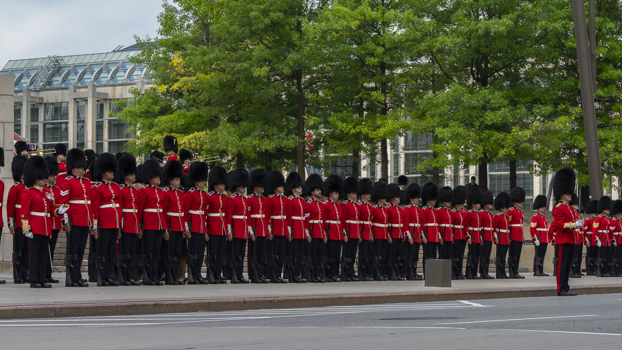 changing of the guard things to do in ottawa