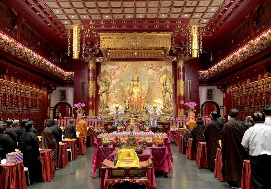 buddha tooth temple interior singapore