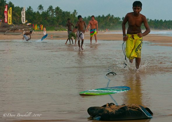 Sri Lanka, life goes on after tsunami