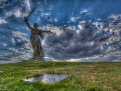 Motherland Calls – Mother Russia Stands Proud Over Volgograd
