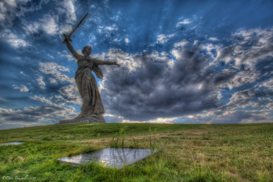 motherland calls statue of mother russia with sword