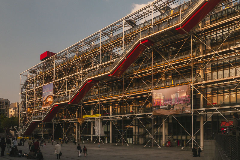"meilleurs quartiers du centre pompidou paris le marais ""class ="" wp-image-139403 ""srcset ="" https://theplanetd.com/images/Where-to-Stay-in-Paris-France-Pompidou-Centre.jpg 800w , https://theplanetd.com/images/Where-to-Stay-in-Paris-France-Pompidou-Centre-438x292.jpg 438w, https://theplanetd.com/images/Where-to-Stay-in- Paris -France-Pompidou-Center-768x512.jpg 768w, https://theplanetd.com/images/Where-to-Stay-in-Paris-France-Pompidou-Centre-600x400.jpg 600w, https: // theplanetd. com /images/Where-to-Stay-in-Paris-France-Pompidou-Centre-272x182.jpg 272w ""tailles ="" (largeur maximale: 800px) 100vw, 800px"