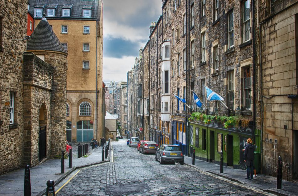 Where to stay in Edinburgh streets