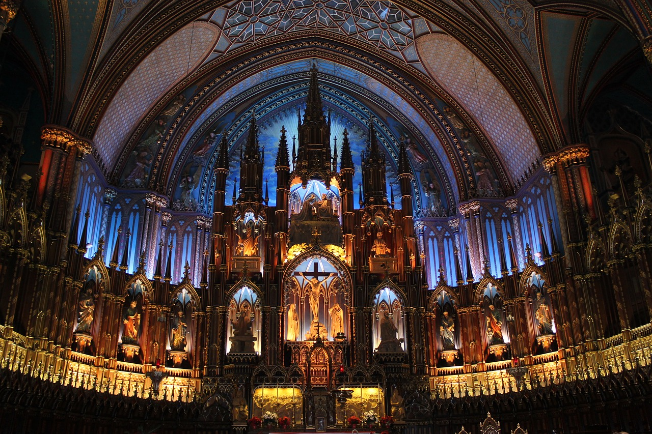 Where to stay in Montreal | Notre Dame Basilica