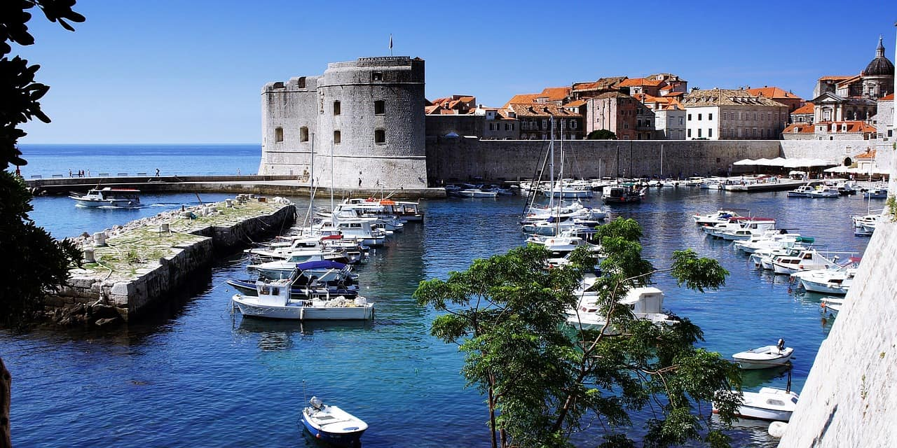 Where-to-stay-in-dubrovnik-harbour