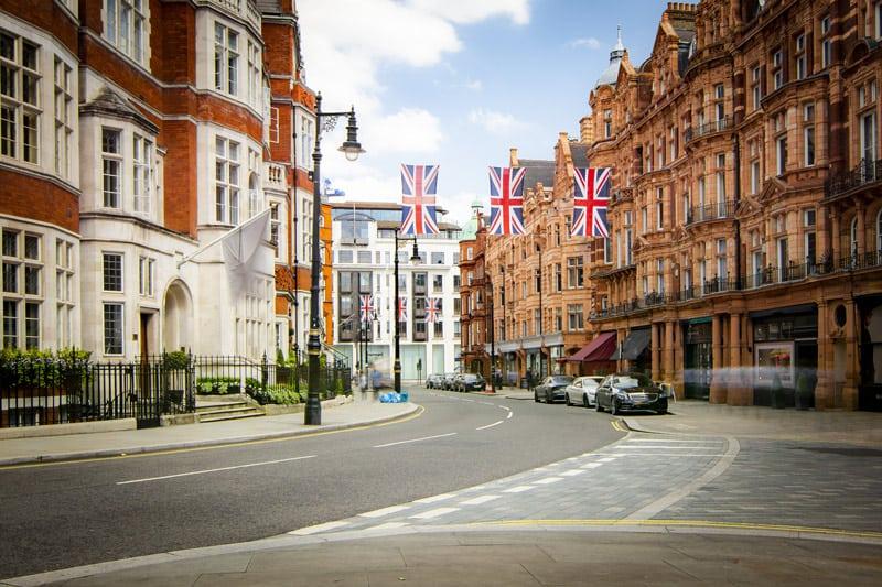 Where to Stay in London Luxury | Mayfair Neighborhood