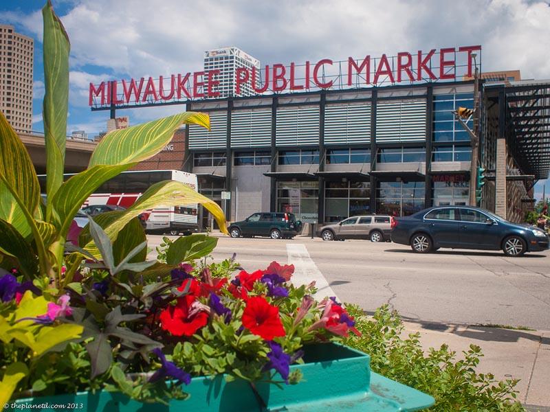 explore milwaukee public market | things to do in milwaukee