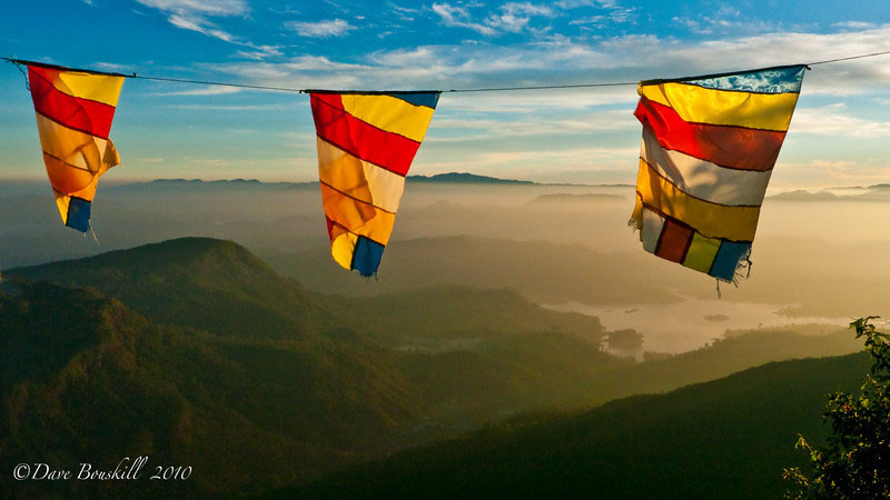 adams peak pilgrimage mountains