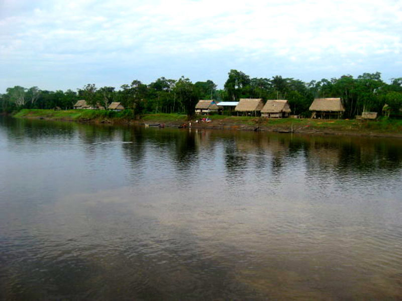 houses on the river