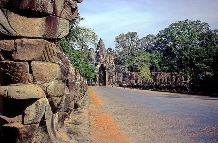visit angkor wat cambodia angkor thom