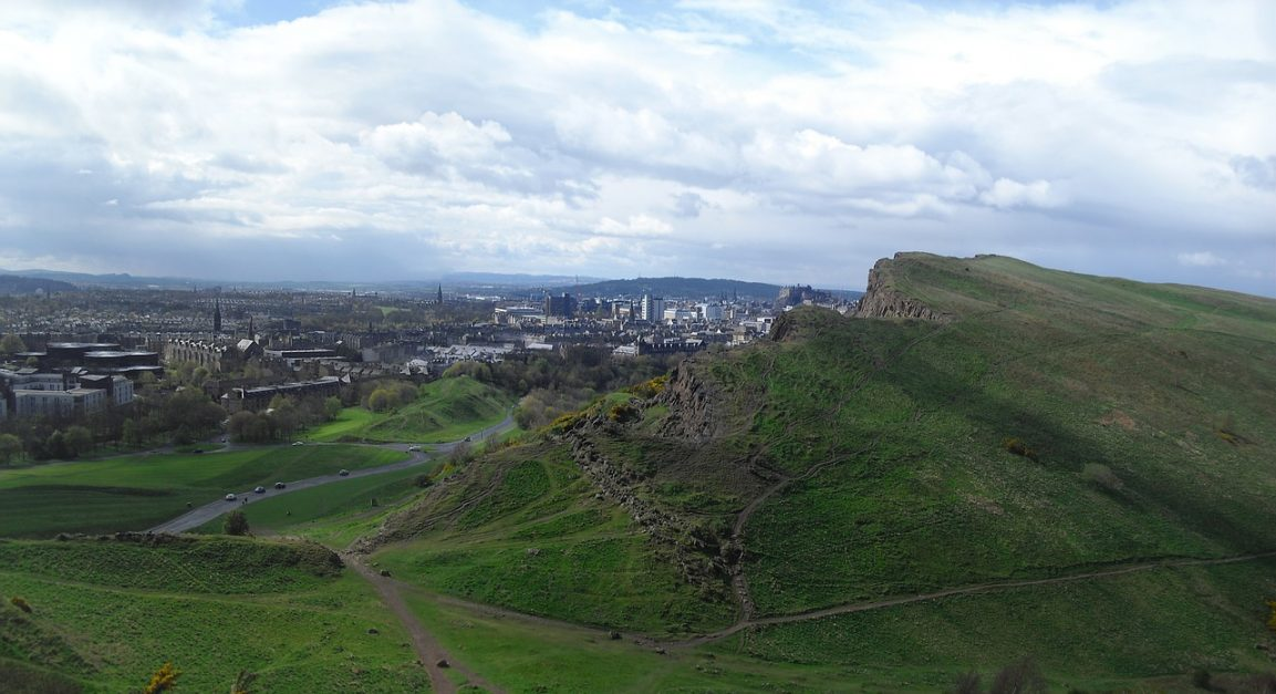 adventurous things to do in edinburgh visit arthur's seat