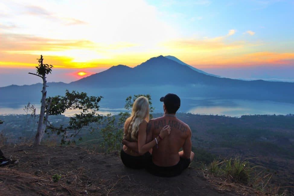 bali sunset budget travel for couples