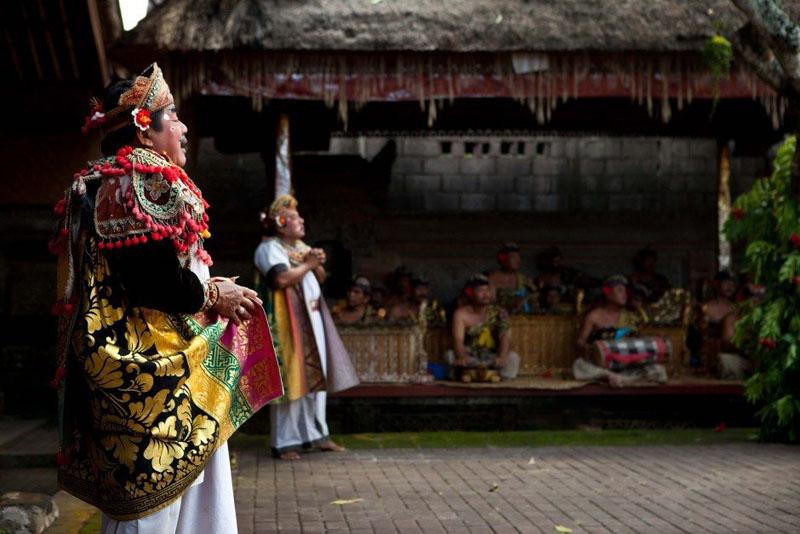 bali local guide dance