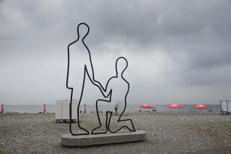 love statue on batumi beaches
