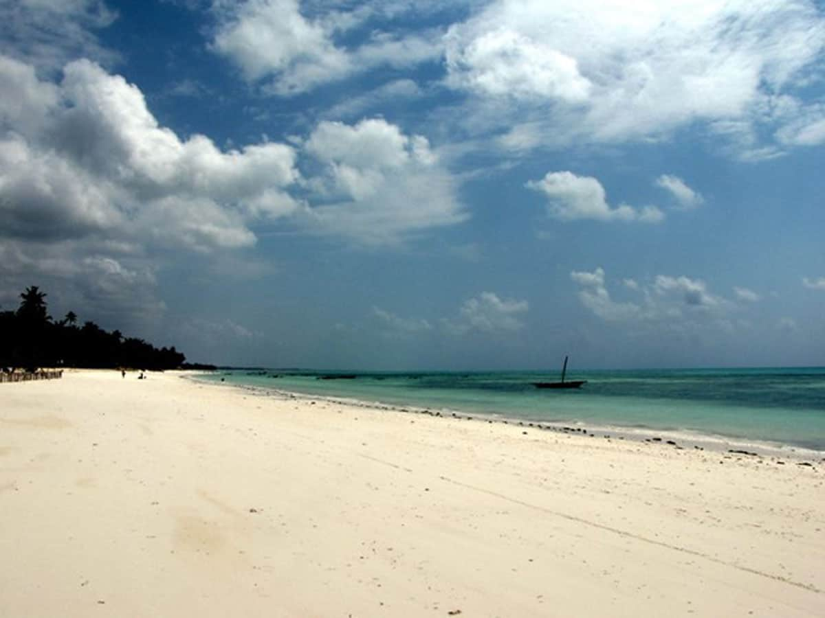 beautiful zanzibar island Jambiani beach