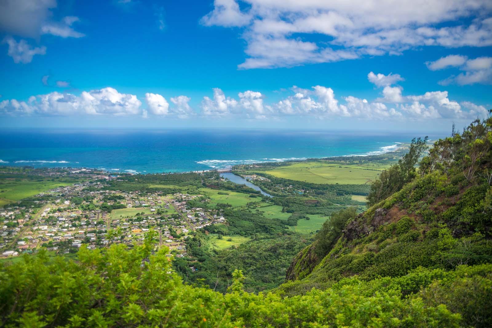kauai hiking sleeping giant view