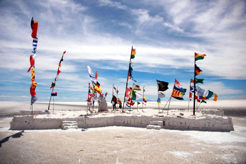 bolivia salt flats tour flags
