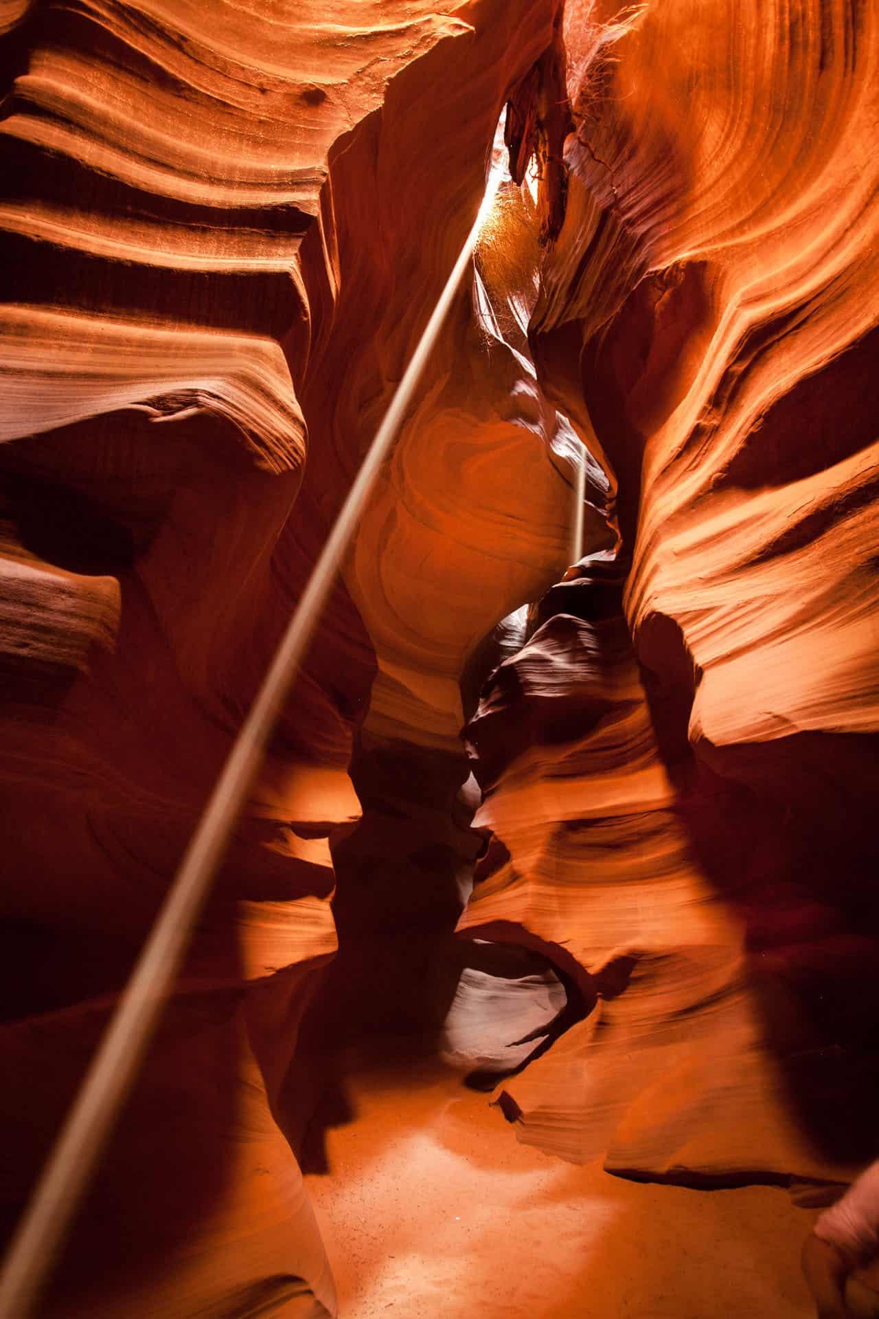 antelope canyon light shining through