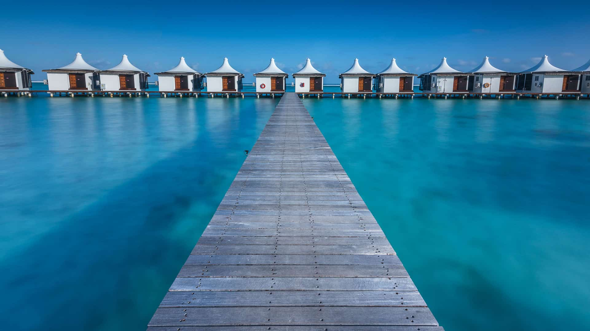 maldives over the water bungalows vacation bucket list