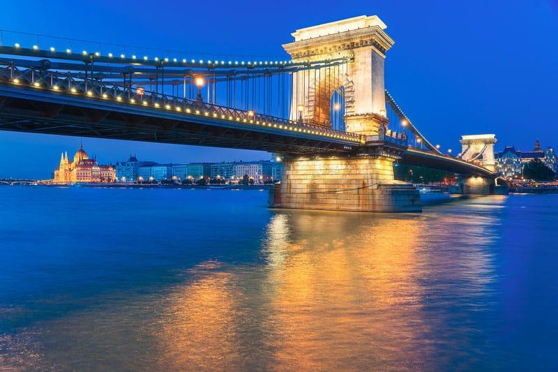 budapest pictures szechenyi bridge