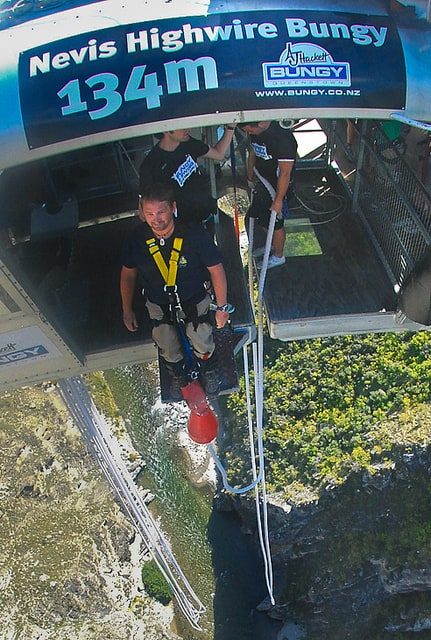 bungy jump in queensland dave walking out