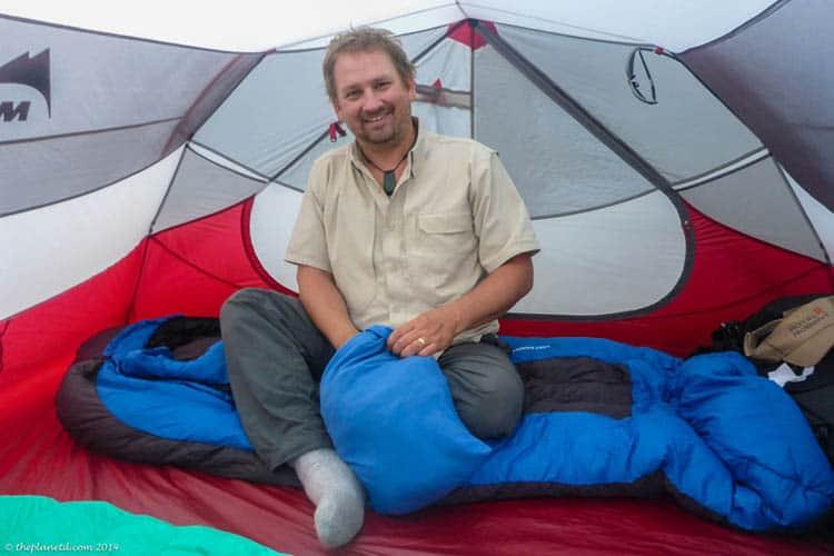 Дэйв в палатке |  советы по кемпингу