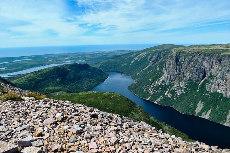 лучшие приключения в Канаде 41 знаковых мест для посещения в Канаде 41 знаковых мест для посещения в Канаде canada adventures gros morne np
