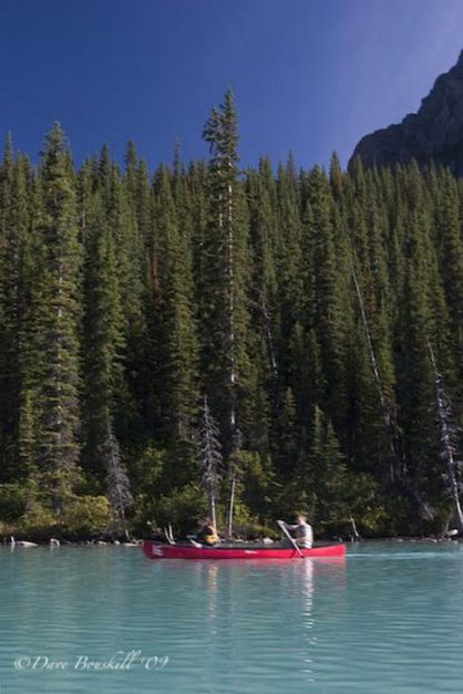 canoe lake louise