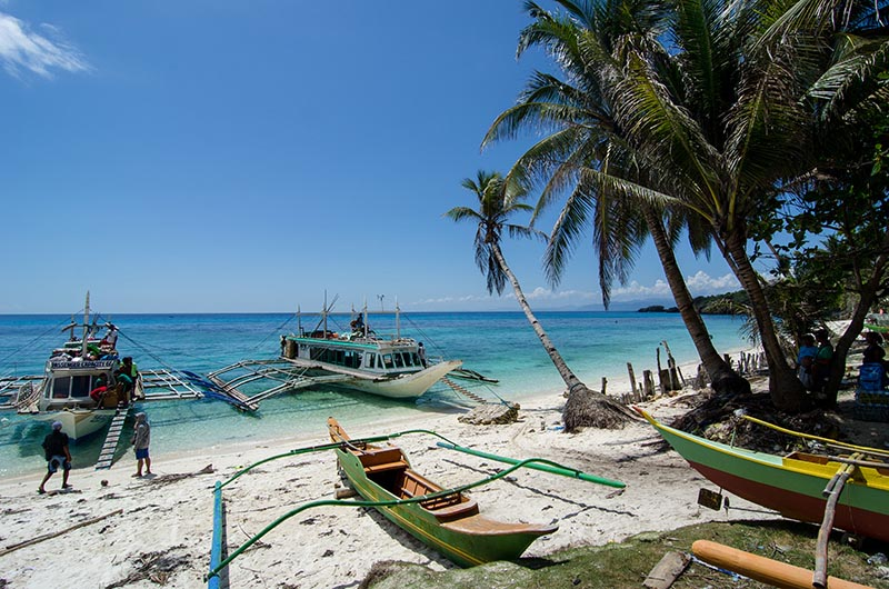 Carabao Island hambil beach