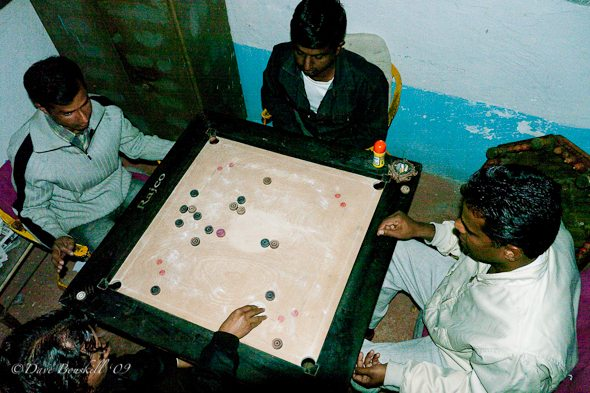Playing-carrom-in-india