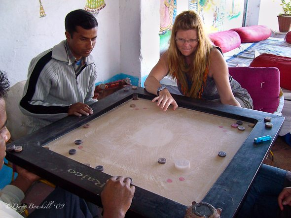 Carrom-playing-with-friends-India