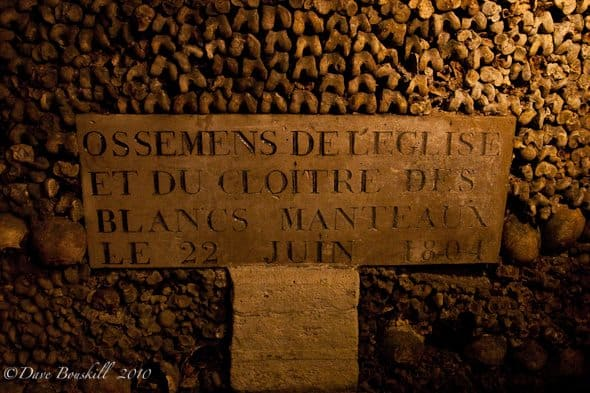 catacombs of paris sign