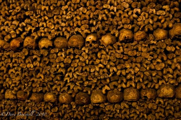 catacombs of paris skulls