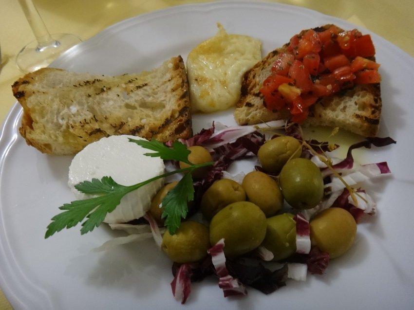 cheese and olives - Gargano favorties