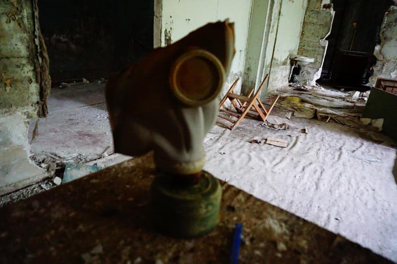 chernobyl disaster pictures gas mask