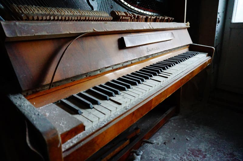 chernobyl disaster pictures piano