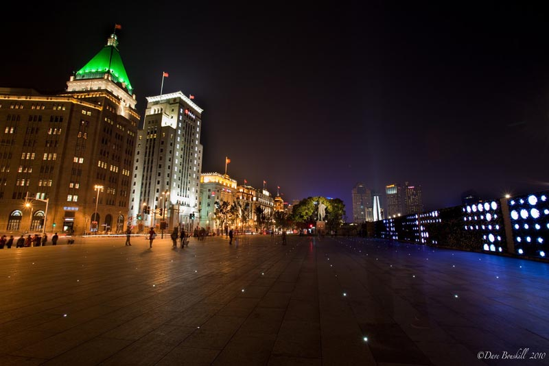 shanghai's deserted Bund at night