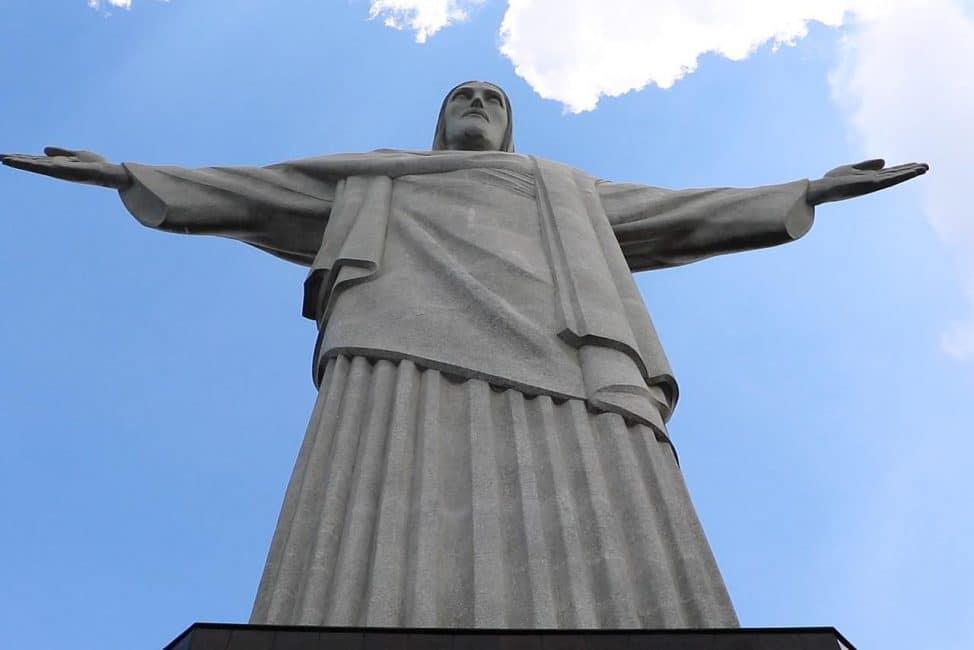 things to do in rio de janeiro- visit christo