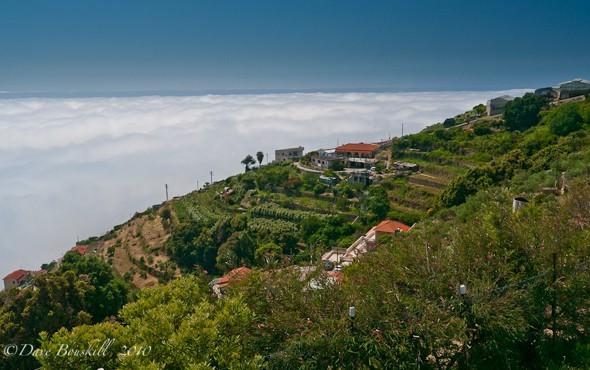 cinque-terres-walk clouds