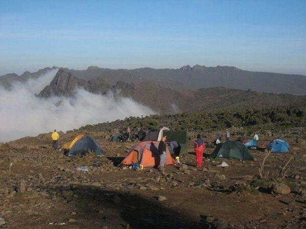 climb kilimanjaro campsite