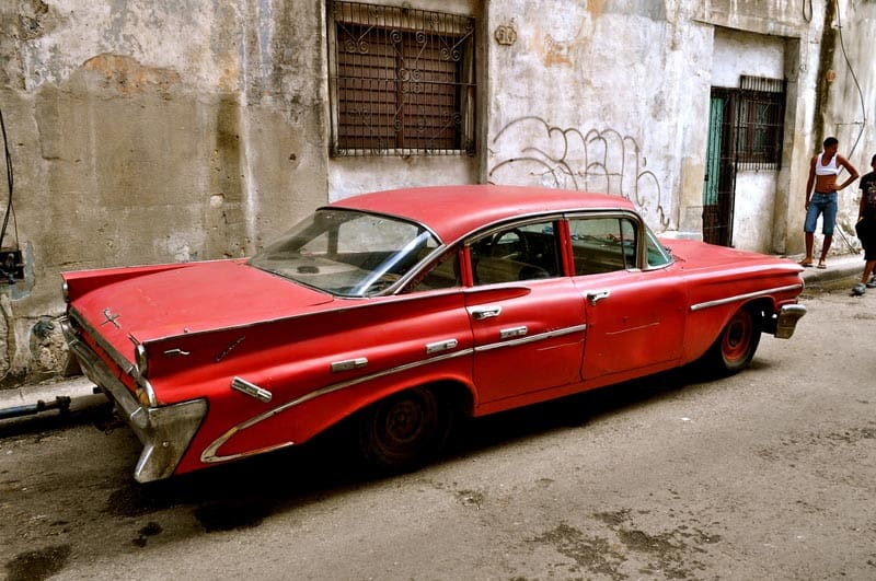 pictures of cuba red car