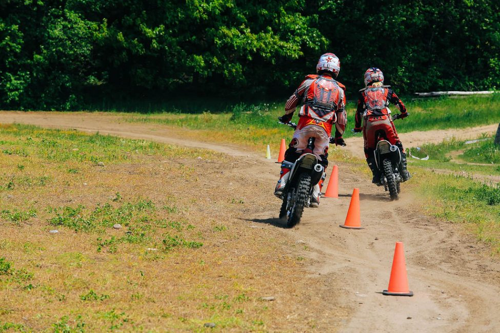 dirt bike riding Reviews on dirt bike riding in los angeles, ca - enjoy the mountain, dirt bike academy, harley-davidson®of glendale riding academy, sand dune park, la fly rides, ride2rideagain - private motorcycle lessons, live 100 percent, california superbike.