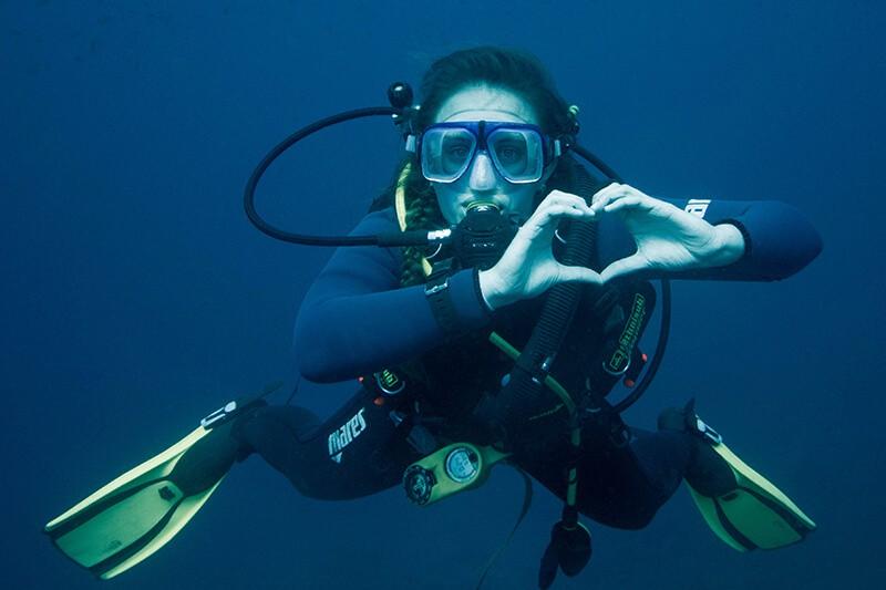 diving Silfra Iceland Ali